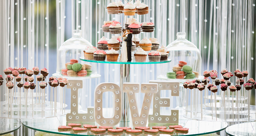 What's hot in wedding dessert trends?