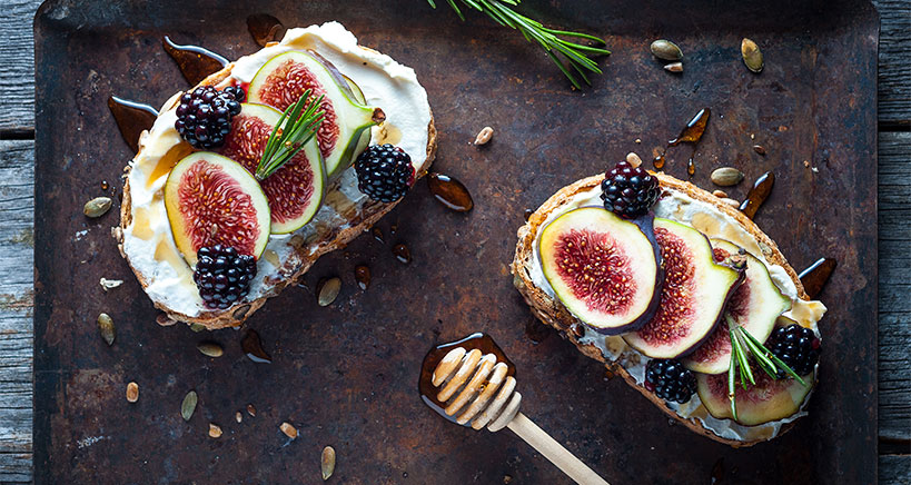 Learn all about healthy figs and how to add this fruit to your menu.