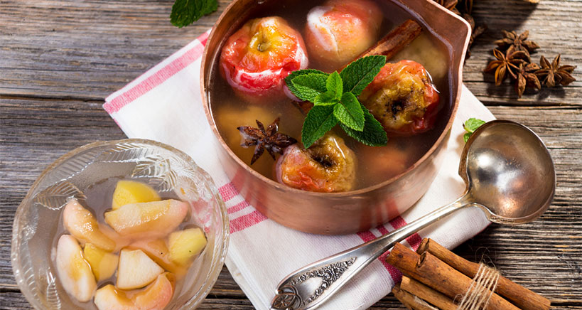 Spice apple compote