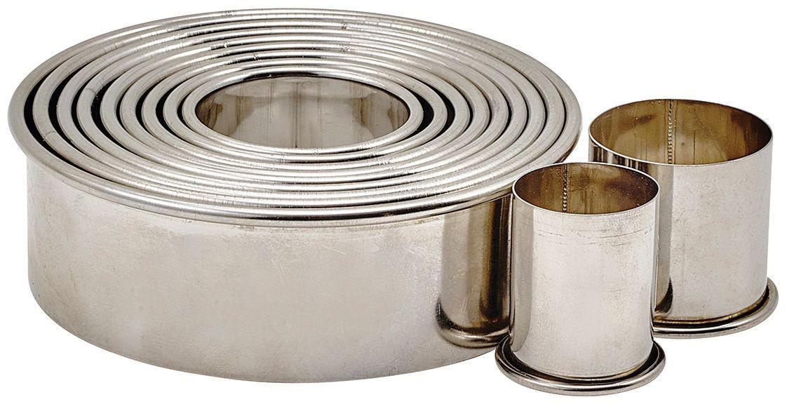 "Winco CST-2 11-Piece Plain Round Stainless Steel Cookie Cutter Set 1""H"