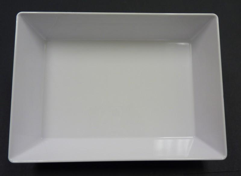 "Yanco RM-618 Rome 17 3/4"" x 11 3/4"" x 2 1/2"" Rectangular White Melamine Deep Plate"