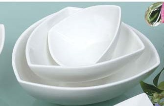 "Yanco ML-509 Mainland 9"" Triangle Bowl 48 oz."