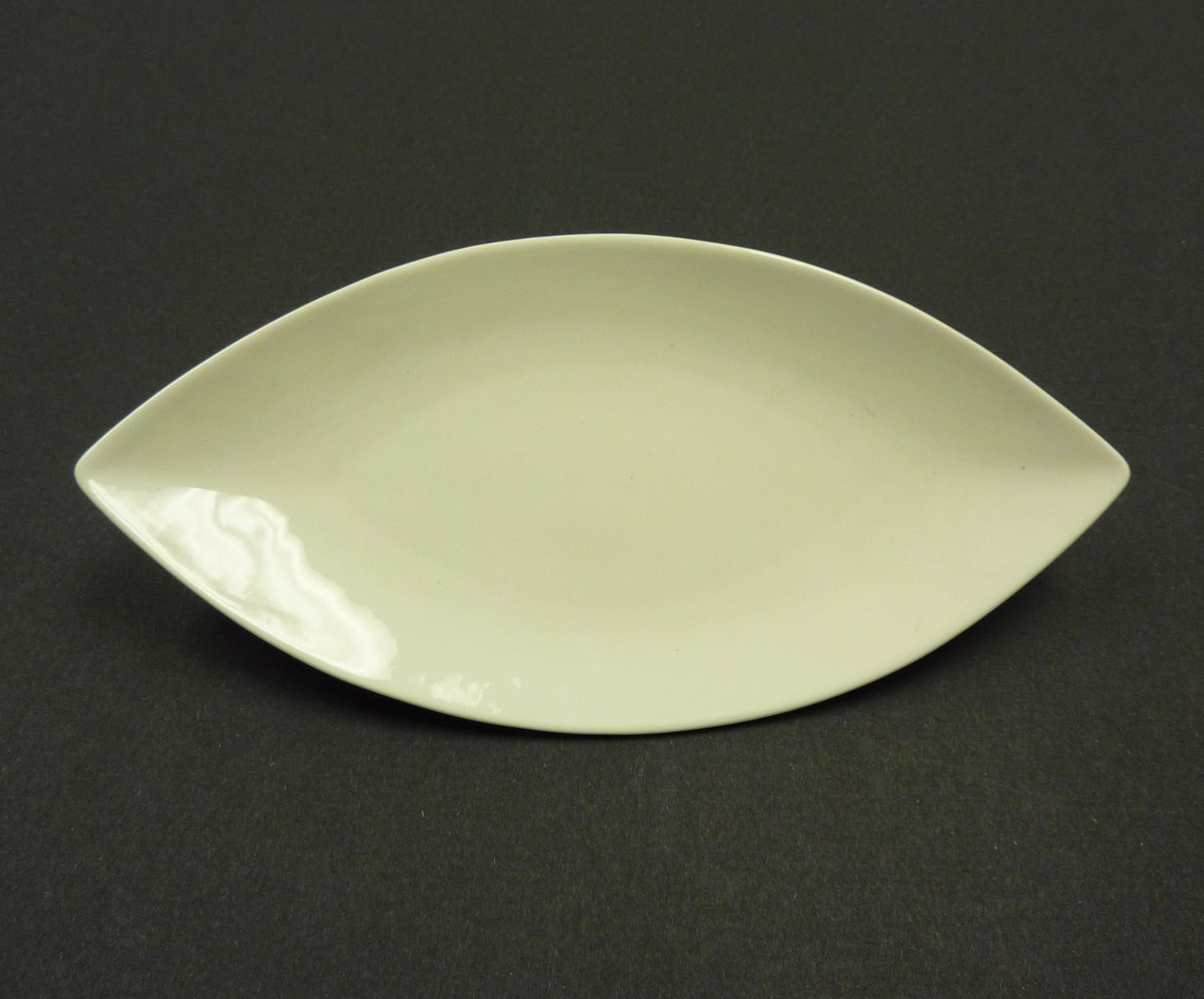 "Yanco fu-213 Fuji 13"" Oval Plate"