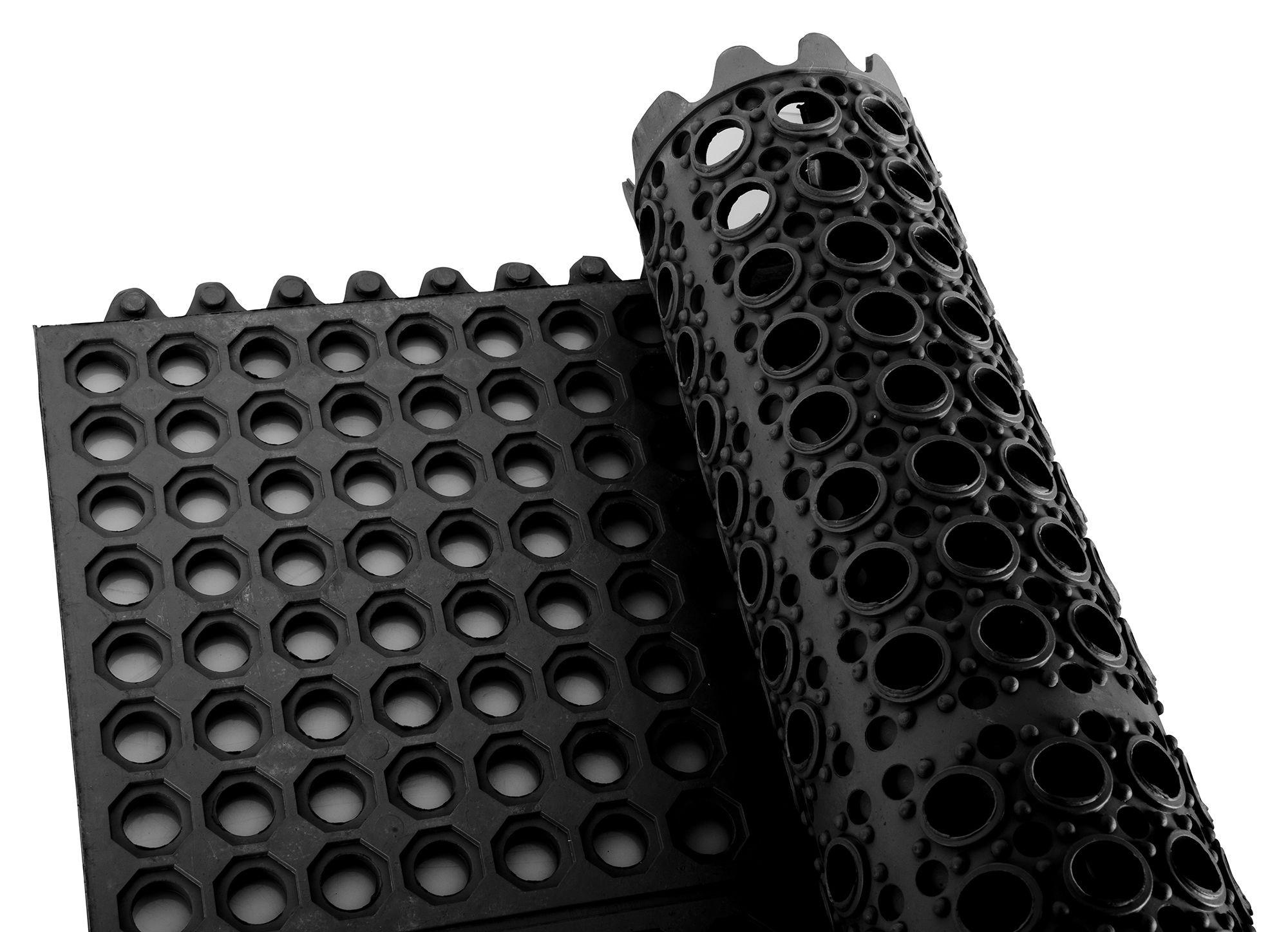 "Winco RBMI-33K Black Anti-Fatigue Interlocking Rubber Floor Mat 3"" x 3"" x 1/2"""