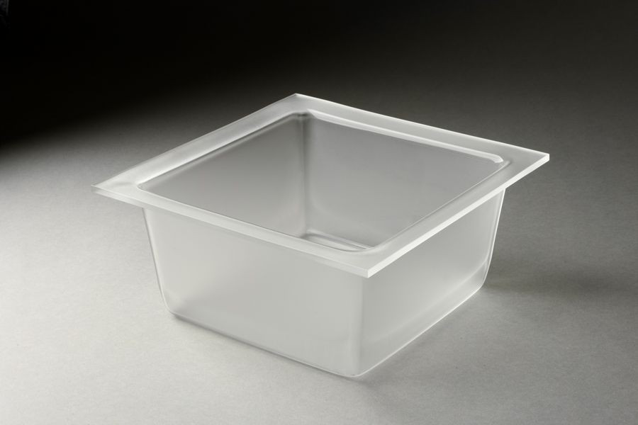 Medium Deep Square Tray Frosted 4.25 qt