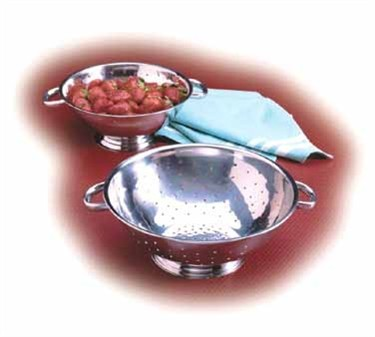TableCraft 703 Stainless 3 Qt. Footed Colander with Mirror Finish
