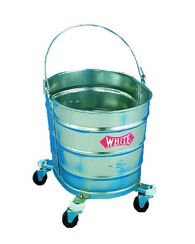 Oval Basket with Casters, 26 Quart